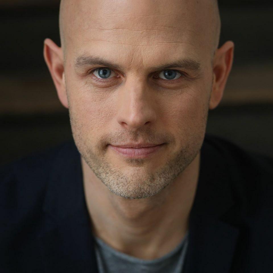 Dirk W Eilert